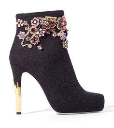 Jason Wu ..gotta have these!!  http://bolzh.blogspot.com/2011/11/jason-wu-shoes-2011-2012.html
