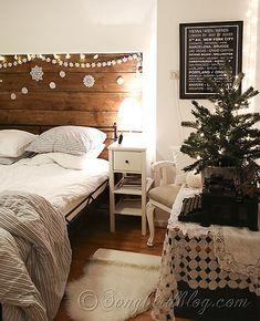 Christmas-decorating-in-the-bedroom-via-Songbirdblog-1