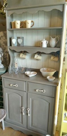 French Linen dresser with key drawer handles