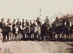 Ψίκι γάμου με νύφη μπουμπουλωμένη επάνω σε άλογο