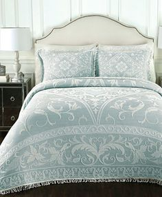 French Country Bedding Collections for traditional elegance. Toile bedding and French Country quilts. Toile Bedding, Bedding Sets, Floral Bedding, Cotton Bedding, Cozy Bedroom, Bedroom Decor, Master Bedroom, Bedroom Ideas, Extra Bedroom