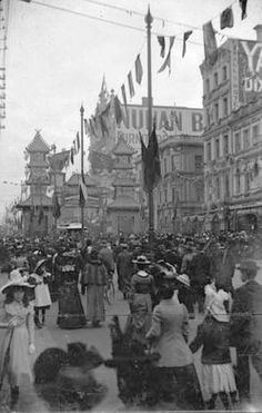 Federation Celebrations, Crowd Scene, by G.H. Myers, Melbourne, Victoria, 1901
