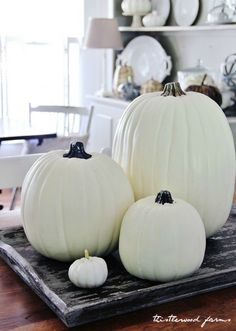 pumpkins-fall-decor