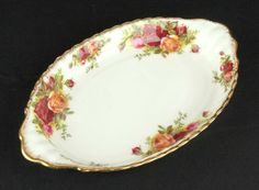 Royal Albert Old Country Roses RARE Coffee Size Regal Oval Tray Montrose Shape