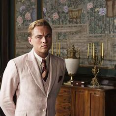 """@degournay's photo: """"Flashback Friday... to this Great Gatsby moment. Leonardo Di Caprio setting off our hand painted 'Temple Newsam' perfectly #thegreatgatsby #greatgatsby #leonardodicaprio #interiorsinfilm #setdesign #degournay #handpaintedwallpaper #chinoiserie #interiordesign #bazluhrmann #thehamptons"""""""