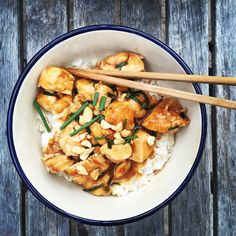 straight-up honky kung pao chicken { shut up & eat } For this post, we're going to pretend I never lived in China. What you're about to witness is west-coast, quick, weeknight kung pao chicken....
