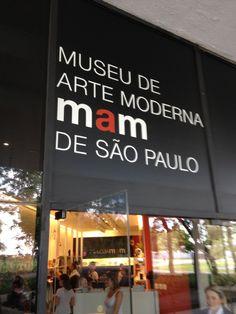 O Museu de Arte Moderna de São Paulo é uma sociedade civil de interesse público, sem fins lucrativos, fundada em 1948. Sua coleção possui mais de 5 mil obras produzidas pelos nomes mais representativos da arte moderna e contemporânea, principalmente brasileira. Tanto a coleção como as exposições privilegiam o experimentalismo, abrindo-se para a pluralidade da produção artística mundial e a diversidade de interesses das sociedades contemporâneas.