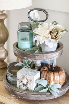 Budget-Friendly Fall Decor Tips & Fall Home Tour Budget-freundliche Herbstdekor-Tipps & Herbst-H Decorating Your Home, Diy Home Decor, Decorating Ideas, Decor Ideas, Diy Fall Wreath, Fall Wreaths, Wooden Pumpkins, Easy Fall Crafts, Scrap Material