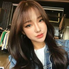 Ideas for haircut girl long bangs Korean Haircut Long, Korean Bangs Hairstyle, Hairstyles With Bangs, Asian Haircut, Korean Hairstyles, Hairstyle Ideas, Girl Hairstyles, Girls Haircuts Medium, Girl Haircuts
