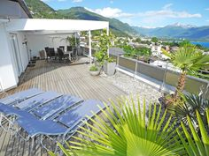 Large and very nice attic apartment in Minusio in higher location with tra - Minusio Attic Apartment, Outdoor Furniture, Outdoor Decor, Washer And Dryer, Vacation Apartments, Sun Lounger, Patio, Nice, Room