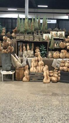 Christmas Pine Cones, Prim Christmas, Christmas Trees, Father Christmas, Christmas Decorations, Xmas, Primitive Wood Crafts, Primitive Snowmen, Primitive Stitchery