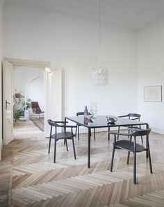 LIVING ROOM: tavolo zero by Ron Gilad + twig chairs by Nendo