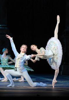 Svetlana Zakharova as Princess Aurora. David Hallberg as Prince Desire. Photo by Damir Yusupov/Bolshoi Theatre.