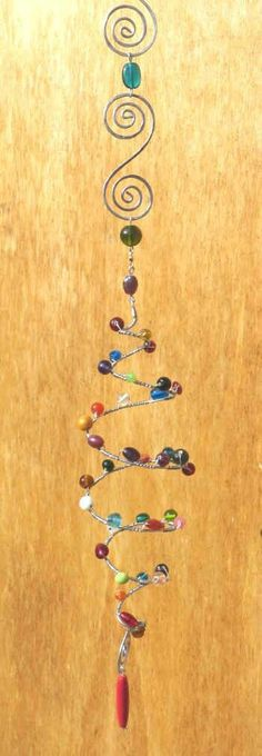 Bead and wire sun catcher. Wire Jewelry, Beaded Jewelry, Jewelery, Wire Crafts, Bead Crafts, Mobiles, Sun Catchers, Dream Catchers, Diy Wind Chimes