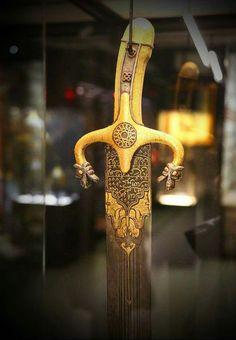 Katana Swords, Dagger Knife, Swords And Daggers, Arm Armor, Military Art, Weapons, Medieval Swords, Museum, Symbols