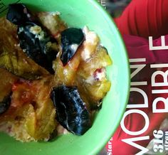 Child of 90's: Šveskty, jak je neznáte #plums #švestky #yummy #oatmeal #porridg #ovesnakase #foodie #jídlo #breakfast #snídaně #fruit #healthly #health #cz #czech #blogger #blog #amazing recipes #recipe #recept #recepty #vareni #cooking #eating #fast #easy #tastey #tips #tricks