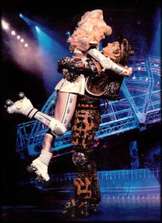 Nina Pressing (Pearl) & Paul Whitaker (Rusty) in Starlight Express, Bochum, Germany