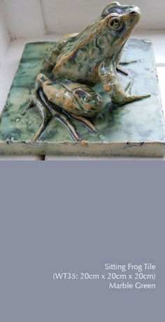 Sitting frog tile by English ceramic artist Lucy Smith. More at lucysmith.org.uk