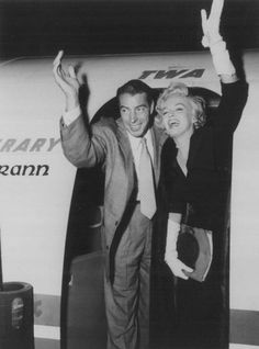 Marilyn and Joe DiMaggio departing New York for Los Angeles, September 17th 1954.