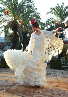 Themes For Quinceanera Parties Spanish Dance, Spanish Dress, Spanish Style, Latin Dance, Flamenco Wedding, Costume Ethnique, Quinceanera Themes, Spanish Wedding, Flamenco Dancers