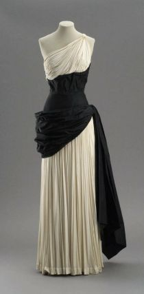 Woman's evening dress, French, early 1950s, Madame Grès. Museum of Fine Arts, Boston.