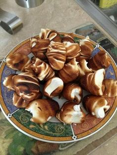 merengues cubano --- how funny!!! i used to make and eat these when i was little.  @Evelyn Cataquet-Cruz  recuerdos de cuba, mano....