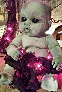 Haunted house prop doll halloween creepy alien baby zombie vtg dead z nation vtg #HANDPAINTED