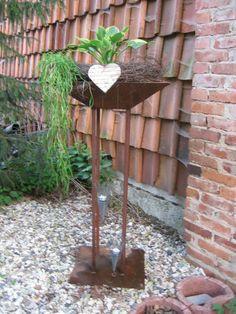 Rostsäule im Sommer 2012 shabby garden