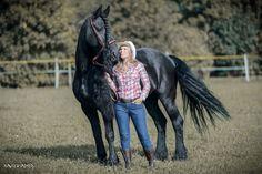 Shooting Western octobre 2016 Marion et Phéa Licol de monte *Farm* et ceinture cuir par Fairy Horse Photographie par Xavier Ambs