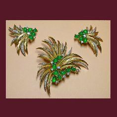 Let's Get Vintage - Parures/Sets - Vintage Jomaz Rich emerald green and rhinestone demi parure. Signed JOMAZ - Vintage Costume Jewelry
