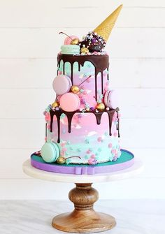 79 Amazing cake inspiration for special celebration - birthday cake ideas, celebration cakes Pretty Cakes, Cute Cakes, Beautiful Cakes, Amazing Cakes, Yummy Cakes, Girly Cakes, Sweet 16 Cakes, Sweet Sixteen Cakes, Crazy Cakes