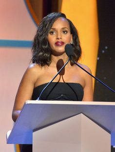 Kerry Washington Photos Photos - Actress Kerry Washington speaks onstage during the 2017 Writers Guild Awards L.A. Ceremony at The Beverly Hilton Hotel on February 19, 2017 in Beverly Hills, California. - 2017 Writers Guild Awards L.A. Ceremony - Inside