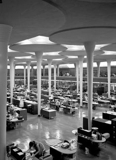 Johnson Wax corporate offices, Racine, Wisconsin / Frank Lloyd Wright - Hey, I work in a Frank Lloyd Wright building! Pavilion Architecture, Organic Architecture, Amazing Architecture, Art And Architecture, Architecture Details, Concrete Architecture, Johnson Wax, Frank Lloyd Wright Buildings, Racine Wisconsin
