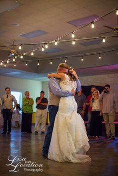 Lisa on Location: Bastrop Weddings Always Make Me Smile {Bastrop Wedding Photography}