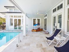 A Lesson in Coastal Style: Aussie Hamptons The Hamptons look is rooted in American history but Australians have modernised the trend to suit a more laid back lifestyle. Get the top tips for renovating to achieve the look. Beach Cottage Style, Coastal Cottage, Coastal Homes, Beach House Decor, Coastal Farmhouse, Coastal Decor, Coastal Entryway, Farmhouse Office, Coastal Rugs