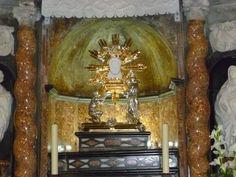 Un Lugar con Agua Milagrosa: Virgen de la Cueva Santa, España  último domingo de abril, 7 de septiembre http://forosdelavirgen.org/43064/virgen-de-la-cueva-santa-espana-ultimo-domingo-de-abril-7-de-septiembre/