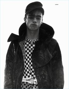 Up and comer Lennon Gallagher at Models 1 takes the pages of Vogue Hommes' Spring Summer 2017 edition captured by fashion photographer David Sims. Zara Models, Old Models, David Sims, Liam Gallagher, Givenchy Jacket, The Fashionisto, Male Fashion Trends, Celebrity Kids, Zara Man