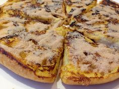 Legendary French toast with turkish bread I Love Food, Good Food, Yummy Food, Breakfast Bake, Breakfast Recipes, Chocolate Lasagne, Wraps, High Tea, Bread Recipes