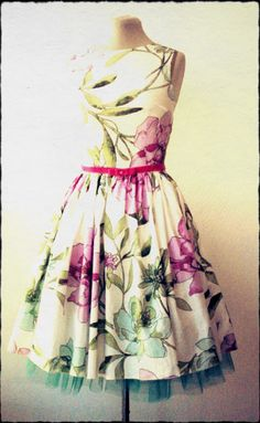 just spring♥ – Sewing Projects | BurdaStyle.com This is stunning, I really need to improve my sewing