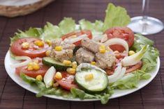 El pepino por su parte es muy diurético y el atún no se queda atrás cuando de dietas se trata, por eso al consumir esta ensalada estarás ingiriendo poc