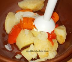 Supa de rosii cu galuste din gris - Bunătăți din bucătăria Gicuței Dairy, Cheese, Food, Recipes, Romanian Recipes, Cooking Recipes, Essen, Meals, Yemek