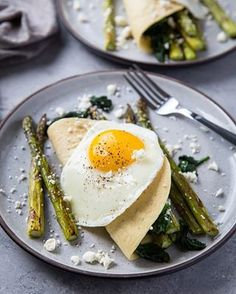Mediterranean Salmon in Parchment Paper - The Roasted Root Sauteed Spinach, Sauteed Vegetables, Spinach And Feta, Asparagus, Broccoli, Paleo Pancakes Almond Flour, Vegetarian Ramen, Mediterranean Salmon, Savory Crepes