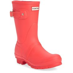 Women's Hunter 'Original Short' Rain Boot (€130) ❤ liked on Polyvore featuring shoes, boots, bright coral, rubber boots, bright colored shoes, hunter boots, coral rain boots and bright shoes