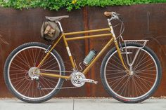 If the Greek god Zeus rode a touring bike, it'd be a Rivendell and most likely, it'd be a Joe Appaloosa. Rivendell is straight forward with the Joe Appaloosa. First off, it's named after a rather uniq...