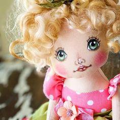 Stencil, Doll Clothes, Take That, Dolls, Disney Princess, Handmade, Shopping, Instagram, Doll Face