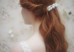 Les accessoires spécial mariage d'Elise Hameau http://www.vogue.fr/mariage/inspirations/diaporama/les-accessoires-special-mariage-d-elise-hameau/18145
