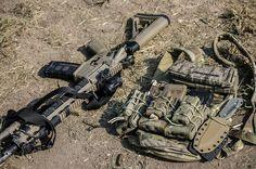 Standard, but nice setup Tactical Assault Gear, Tactical Life, Tactical Survival, Military Gear, Military Equipment, War Belt, Tac Gear, Chest Rig, Tactical Equipment
