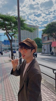 kim sunwoo / the boyz / lockscreen / wallpaper Eric Nam, Kim Sun, Boys Wallpaper, Fandom, Kpop Aesthetic, K Idols, Kpop Groups, Lock Screen Wallpaper, Kpop Boy