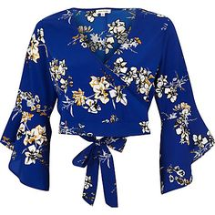 floral crop top and v-neck shirt Blue Crop Tops, Floral Crop Tops, Cropped Tops, Bell Sleeve Crop Top, Wrap Shirt, Island Blue, River Island, Print Wrap, Fashion Outfits