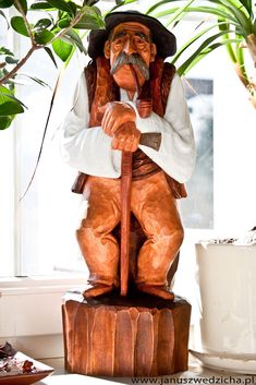 Janusz Wędzicha - Pracownia rzeźby w drewnie